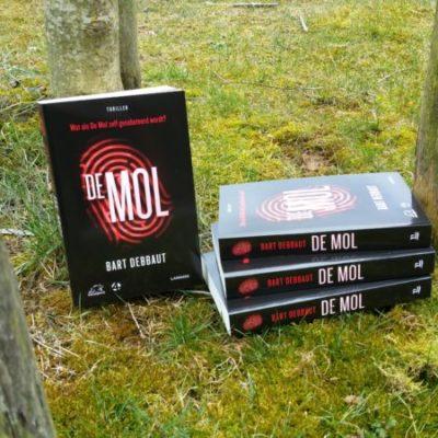 Winactie: De Mol – Bart Debbaut (4x gesigneerd, genummerd en met vingerafdruk!) – GESLOTEN